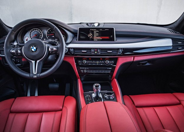 Фото салона BMW X5M 2015-2016 года