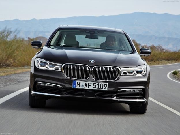 Фото BMW  спереди