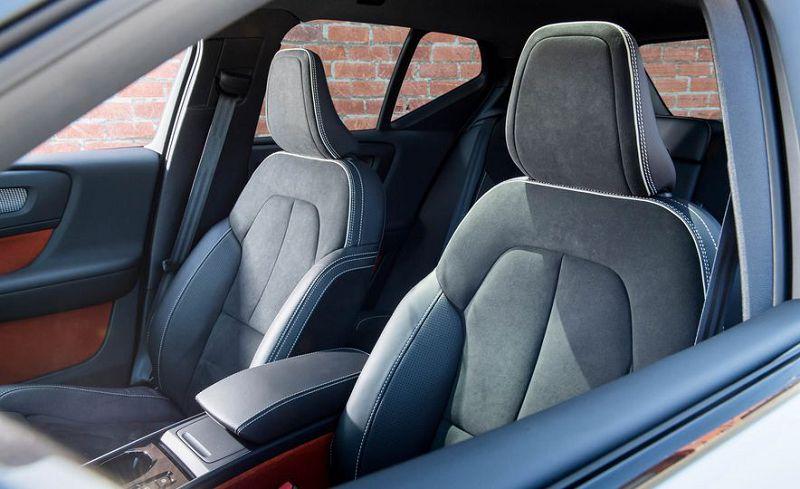 Салон Volvo XC40 2019