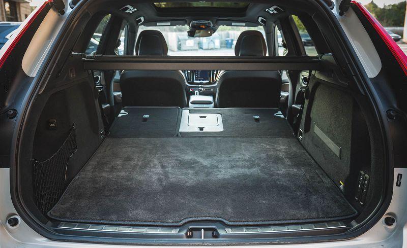 Багажник Volvo XC60 2019