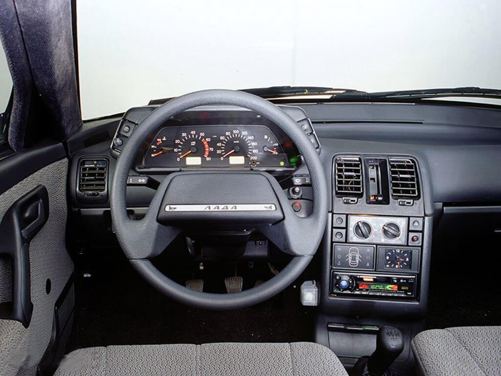 Lada 112 салон