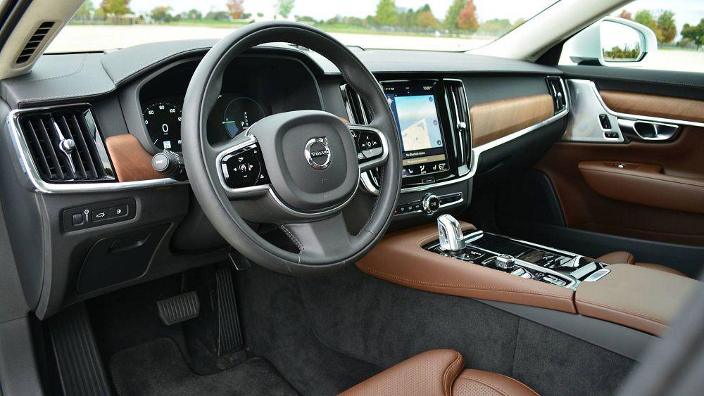 Салон Volvo S90 2019