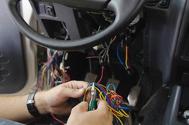монтаж проводов и электропитания